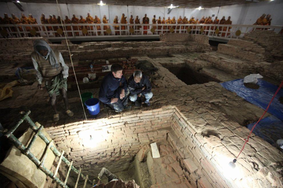 13-11-25 Buddhismus.jpg