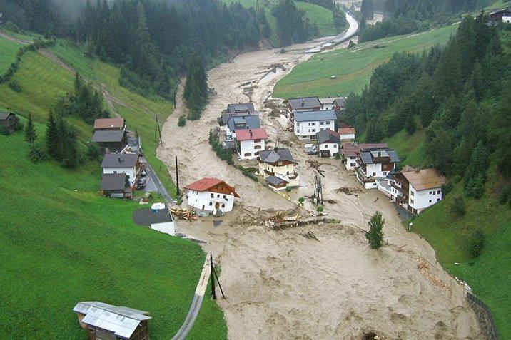 17-08-10-hochwasser.jpg