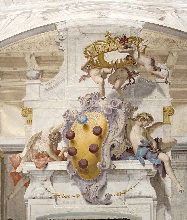 _Anticamera.__-_Das_Wappen_der_Medici_und_die_Krone_der_Großherzöge_von_Toskana._-__Ausschnitt_aus_der_Wandmalerei.__Fresko,_1706,_Figurenmalerei_von_Sebastiano_Ricci_(1659-1734),_Architekturmalerei_von_Giuseppe_Tonelli._(1668-1732).