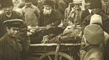 Markttag_in_einem_jüdischen_Schtetl_in_Polen._Um_1930._Photographie.