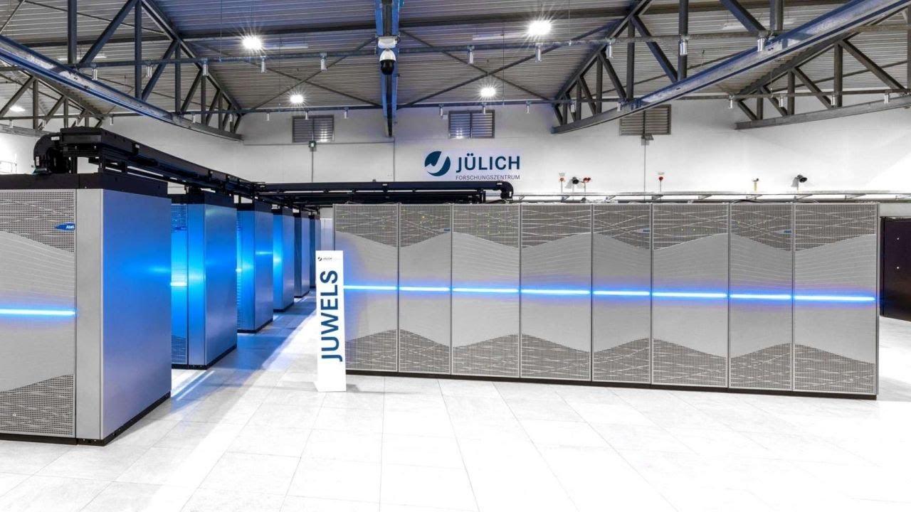 Das-digitale-Superhirn-von-J-lich