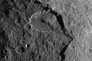 iapetus02.jpg