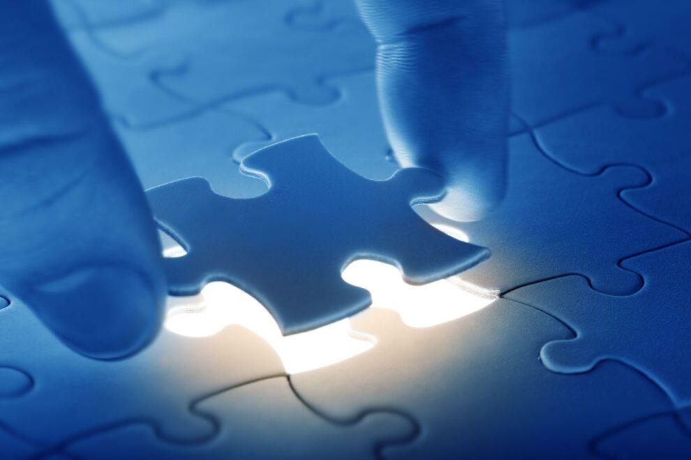 Einsetzen eines Puzzleteils