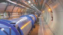 Tunnel des Teilchenbeschleunigers im CERN