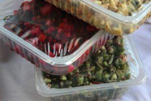 Salat in Vakuumverpackung
